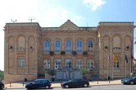 l'Hôtel de Ville de Virton édifié en 1859