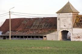 FRASNES-LEZ-ANVAING : Mini Tornade sur Cordes et ArcCe vendredi 03 janvier une mini tornade a traversé l'entité occasionnant des dégâts à Cordes et à Arc.