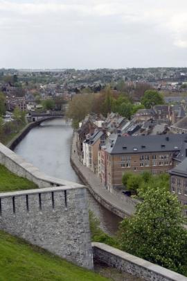 Vue panoramique de Namur, côté Sambre, prise de la citadelle de Namur