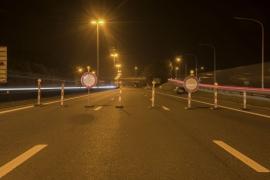 Travaux sur les installations destinées au pesage dynamique des poids lourds, sur l'autoroute E411/A4 à hauteur de Louvain-la-Neuve. aout 2015