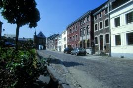 Clermont-sur-Berwinne, Maisons typiques de la place de la Halle