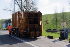 Ramassage des déchets sur les aires de repos des autoroutes Wallonnes.
