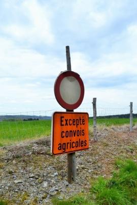 Panneaux routiers (agriculteurs)