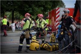 Le Grimpday est un challenge international qui réunit des services de secours du monde entier (pompiers, protection civile, armée, police). Rassemblées à Namur en Belgique, les équipes s?affrontent dans des ateliers axés sur les spécificités du métier de secouriste en milieux périlleux.