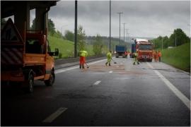 E411 accident de camion.