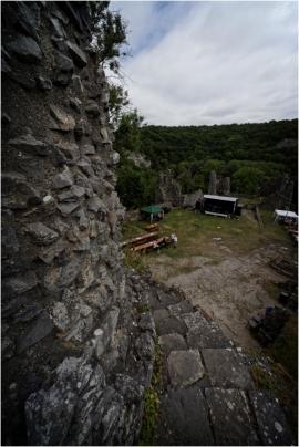 Château de Montaigle, Haute Fréquence, journée
