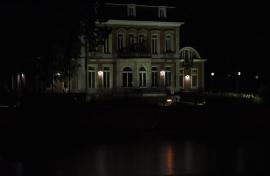 Elysette de nuit.