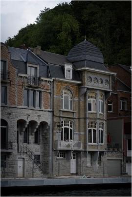 Maison de bord de Meuse. Dinant.