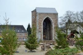 Porte monumentale et ruines de l'ancienne abbaye de Stavelot.