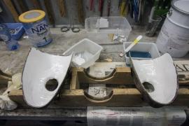 Fabrication des masques pour la confrérie des blancs-moussis de Stavelot.