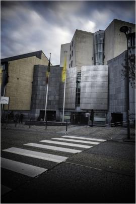 Bâtiment du Service public de Wallonie (Mobilité,Budget,Infrastructure,...) à Namur (arrière de la gare - Boulevard du Nord).