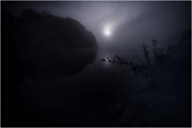 Vue sur la Meuse, la nuit.