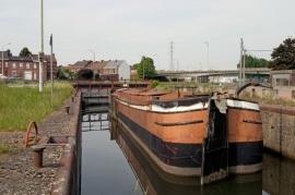 Canal du Cenre : le canal historique du Centre et ses ascenseurs à bâteaux